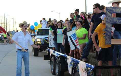 Homecoming Parade Fosters Sense of Community