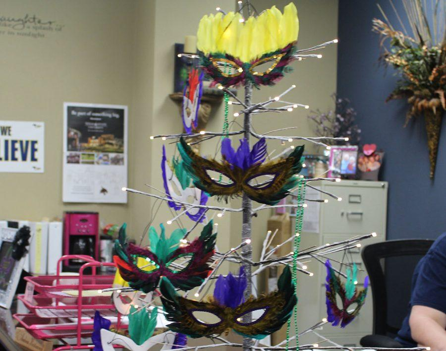 Mardi+Gras+tree+located+in+the+attendance+office+at+Cypress+Ranch.